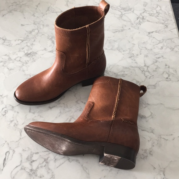 f6c03e388a0 FRYE Cara Short Leather Ankle Boot Cognac Brown